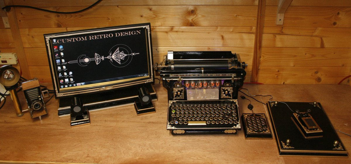 #Geek 🤓 Awesome of the Day: #Steampunk ⚙️ #Victorian #Computer 🖥️ Mouse 🖱️ via @Me_llaman_jota #SamaGeek