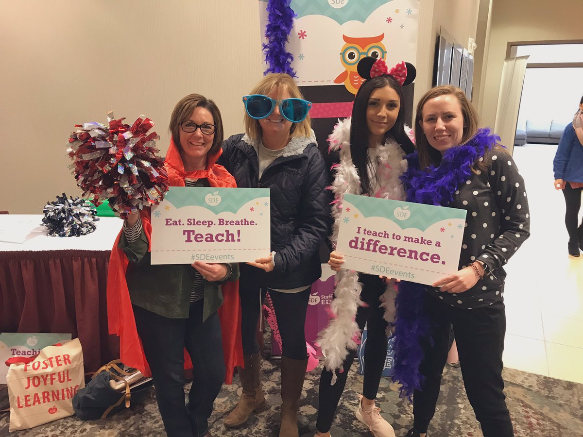 Having fun with our team & learning SO much that we're excited to come back to @ayerelementary and try tomorrow!! #sdeevents <br>http://pic.twitter.com/xqcQjzq4dy
