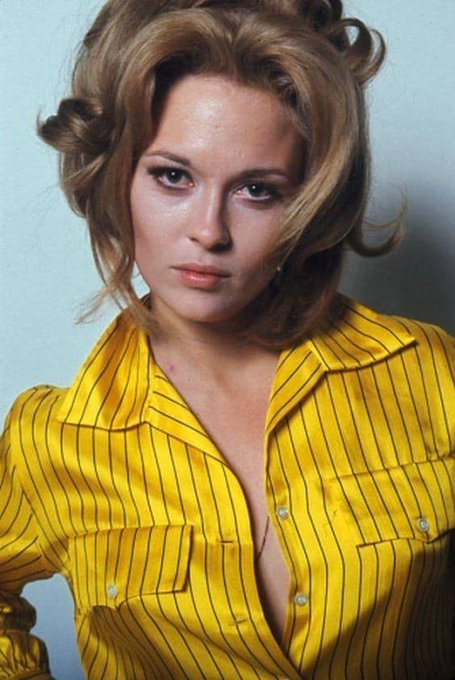 Happy Birthday to Faye Dunaway who turns 79 today!