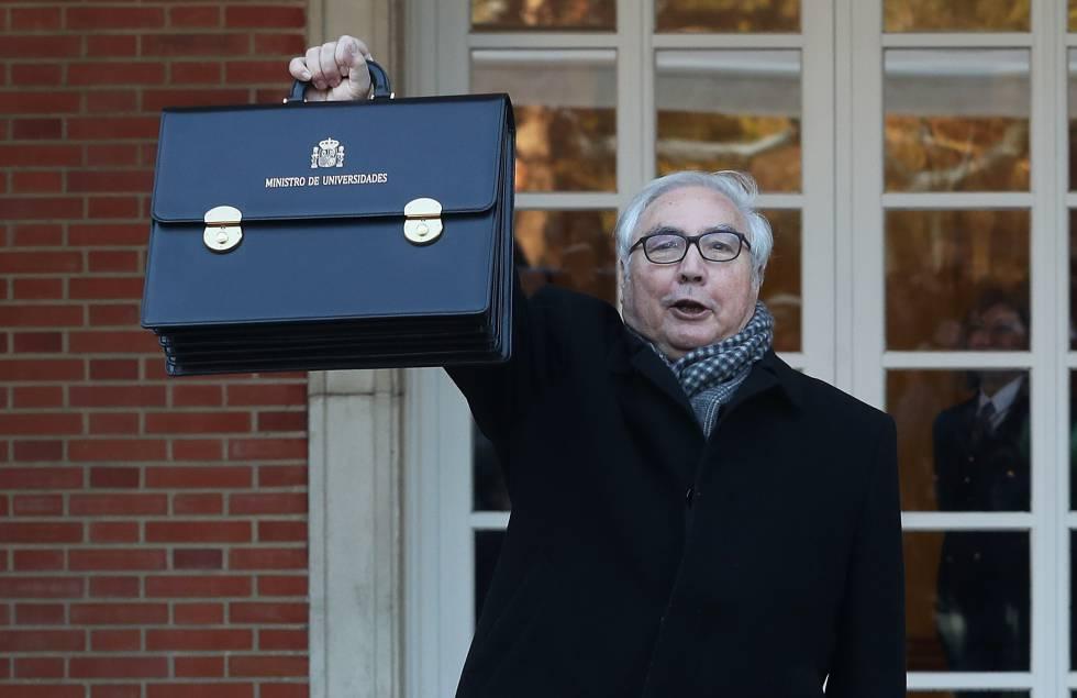 Y ya tenemos nuevo ganador de la edición 2020 del maletín #MoneyInTheBank de la #WWE. El nuevo Ministro de Universades: Manuel Castells #ministros #manuelcastells #ElIntermediopic.twitter.com/o4pbNlqBHX