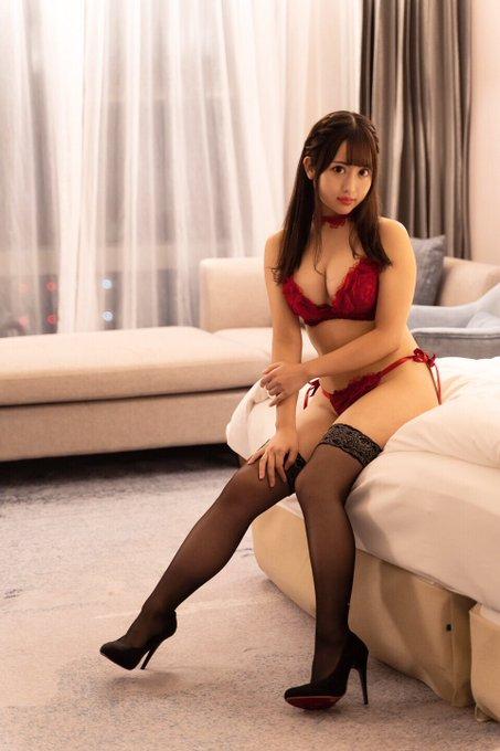 グラビアアイドル櫻栞のTwitter自撮りエロ画像1