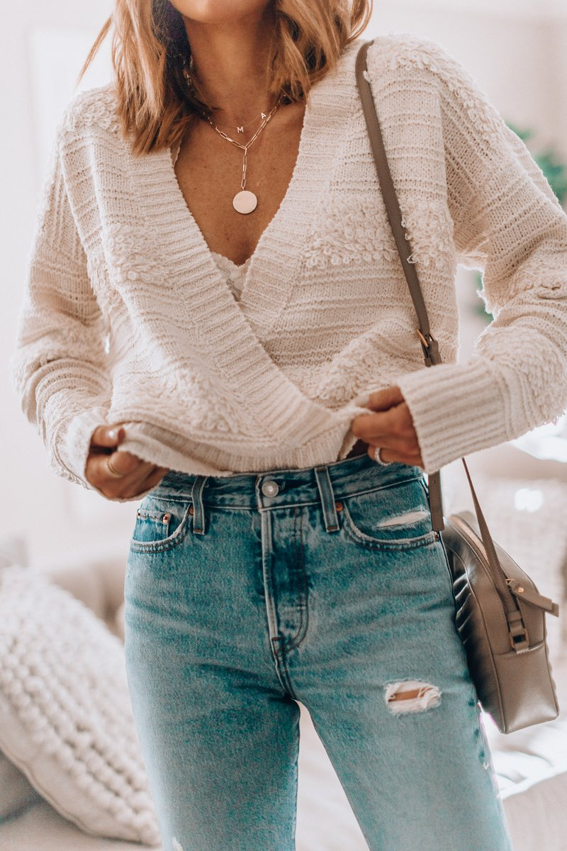 Pieces that work for both winter and spring are all over my radar right now (like this sweater: https://t.co/bxm5PSVt0d) Picked some of my favorites from @Nordstrom  on Cella Jane today - don't miss them! #ad #nordstrom https://t.co/sgwZ2L0dDH