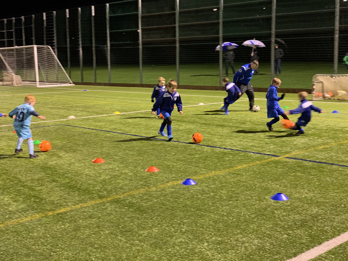 Great to be back after the festive break with some of our young squads @VibrantEAC @communityNFL @NewFarm_CSH @ScotFASouthWest doing what they love having fun and making friends @EALeisure @EastAyrshirepic.twitter.com/EBynsrmxdG