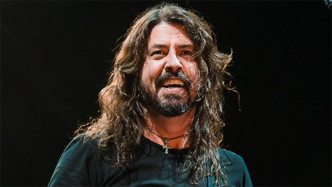 Happy Birthday to this amazing Dave Grohl ( )!