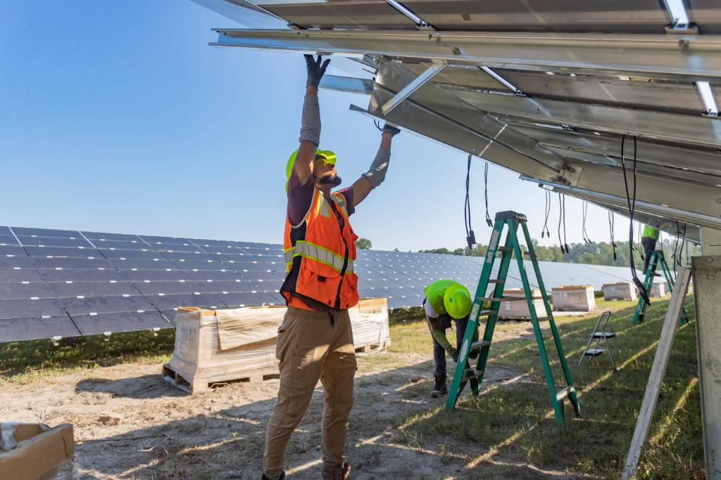 Beginning this year, our global production will be completely powered by renewable electricity – and construction on our new #solarfield in #NorthCarolina is underway! Learn more about our commitment to helping the environment: http://bit.ly/2vvCroU #CircularforZeropic.twitter.com/oxThxmuK4q