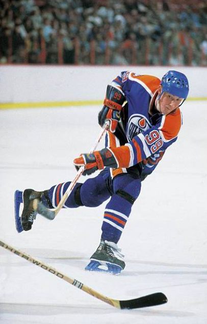 On this day in 1982, Wayne Gretzky became the first player in NHL history to record 12 career hat tricks before his 21st birthday #Hockey365 #LetsGoOilers  <br>http://pic.twitter.com/xDZf3q9KrN
