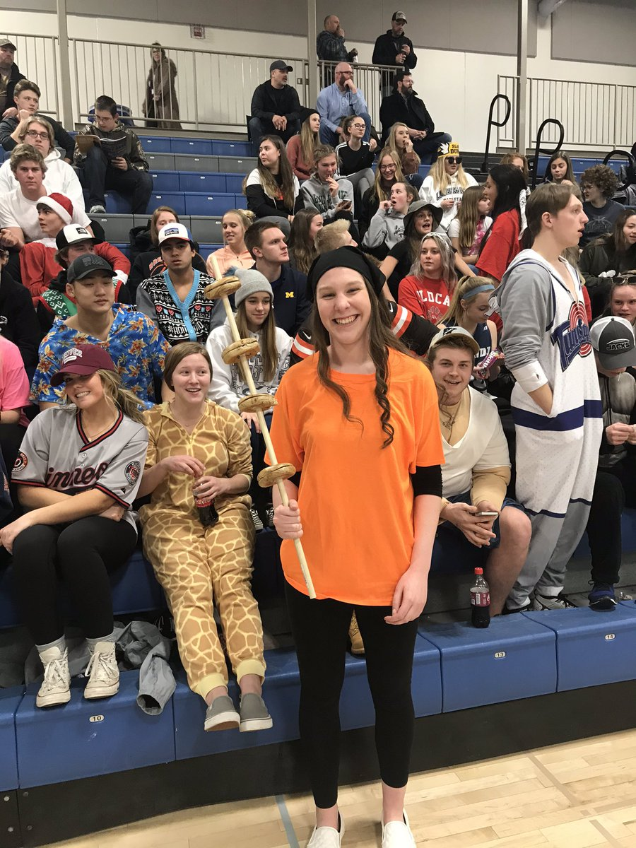 I don't care what you accomplish this week, it won't be as great as Emma Huberty dressing up as the bagel guy from iCarly.Full student section participation as always for @BemidjiBoysBall's annual Silent Night. Jacks are hosting Grand Rapids at 7:30 tonight.