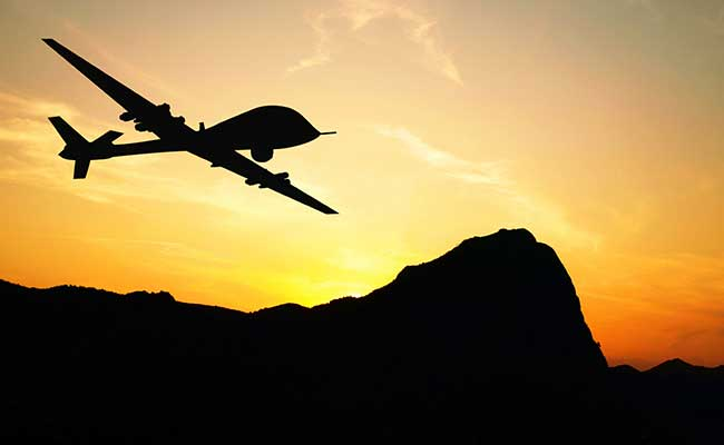 "BSF opens fire at ""drone-like objects"" near Indo-Pak border in Ferozepur https://www.ndtv.com/india-news/border-security-force-opens-fire-at-drone-like-objects-near-indo-pak-border-in-ferozepur-2164179 …"