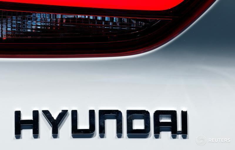 South Korea's Hyundai Motor unveils first Genesis SUV in renewed overseas premium push https://reut.rs/35WcDSA