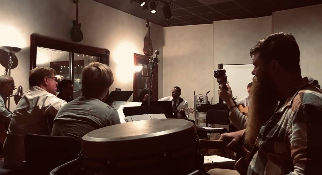 Always a blast jamming out!  . . . . #bocamusicstudio #bocamusicians #recordingstudio #bocarecordingstudio #voicelessons #vocallessons #musiclessons #musicengineer #onlinevocalcoach #worldwidemusic #music #piano #jamsession #jammingout #zagariavocalacademy #rockingout pic.twitter.com/Lj7wdNLZZx