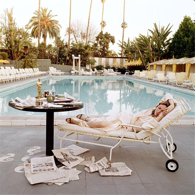 Happy birthday to Faye Dunaway, subject of THIS immortal photo shoot.