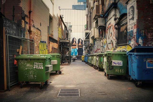 Sexy Garbage, Melbourne.  . . . . . . . . . . . . . . . . #igaustralia #melbournephotography #melbourne #ig_discover_australia #amazingaustralia #thisisaustralia #takemetoaustralia #australiaphotography #sonyilce6400 #sonya6400 #wanderphotography #trav… https://ift.tt/36UB6t3pic.twitter.com/NzifO1Yvee