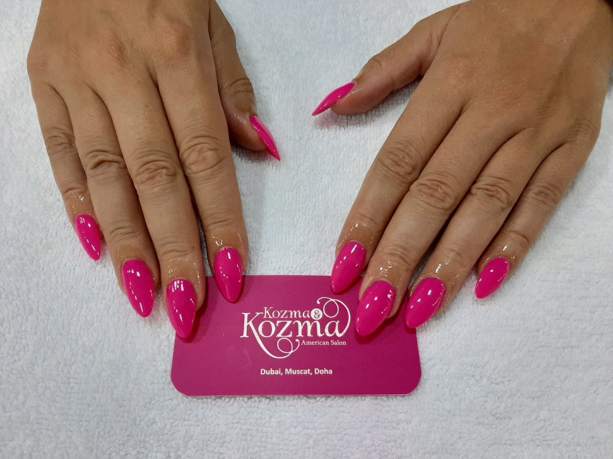 Fuchsia pink acrylic nails for our client done by our nail tech Eder. Aren't they stunning? #dubaibeautysalon #dubaibeauty #dubaispa #dubaihair #Dubaisalon #dubaihairsalon #dubaifashionpic.twitter.com/hx0ue9Pnze