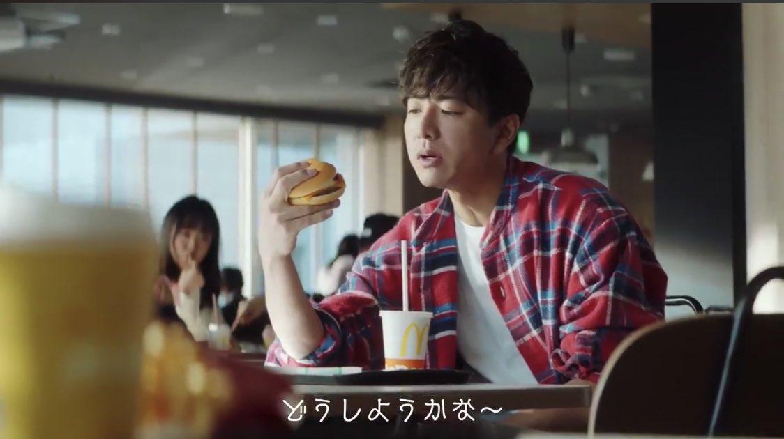 持ち 方 ハンバーガー キムタク キムタクのハンバーガーの持ち方徹底検証!やってみた世間の感想まとめ!