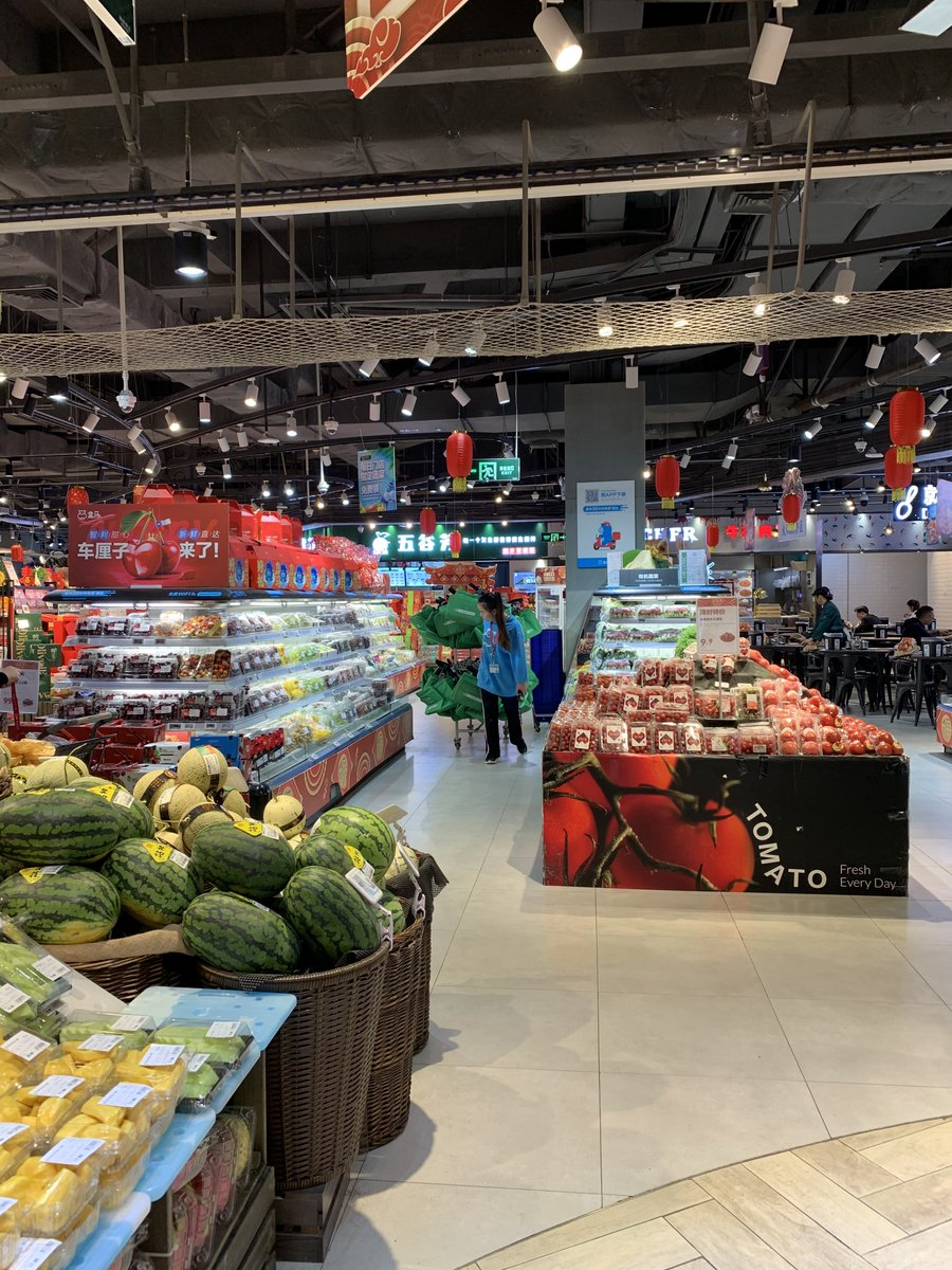 Hema, the supermarket brand from @AlibabaGroup shines a light on the future of grocery shopping. Delivery first (30 minutes from order to delivery), destination outlet (inviting design, restaurant), eco-friendly (electric delivery vehicles). @JimMarous @mattldooley