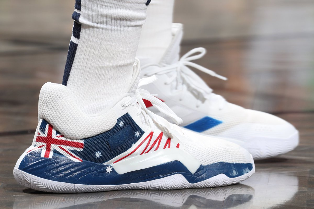 🙌🏼 @spidadmitchell plans to auction off his custom shoes, with all proceeds going toward relief efforts for the Puerto Rico earthquake and Australia brush fires. #NBAKicks
