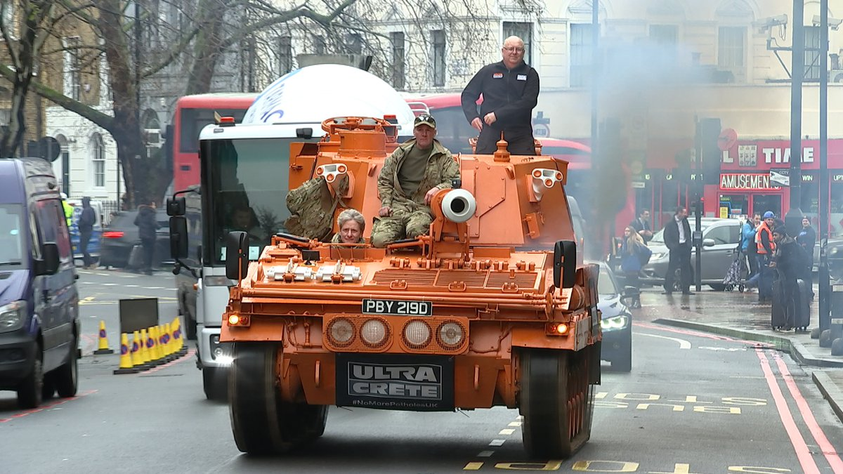 Meet the man waging war on potholes - with a bright orange tank. Dubbed Mr Pothole, Mark Morrell has urged the government to do more to combat the holes in Britains roads. Read more: itv.com/news/2020-01-1…