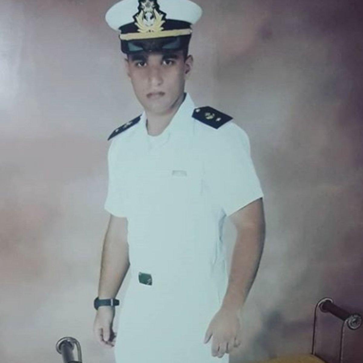 Lembrança de 2011⏳ • Tbt dos 16 anos de idade ❤ • Marinha do Brasil 🇧🇷⚓ • Essa foi para o Orkut/MSN 😂  #riodejaneiro #angradosreis #colegionaval #marinhadobrasil #velhostempos #orkut