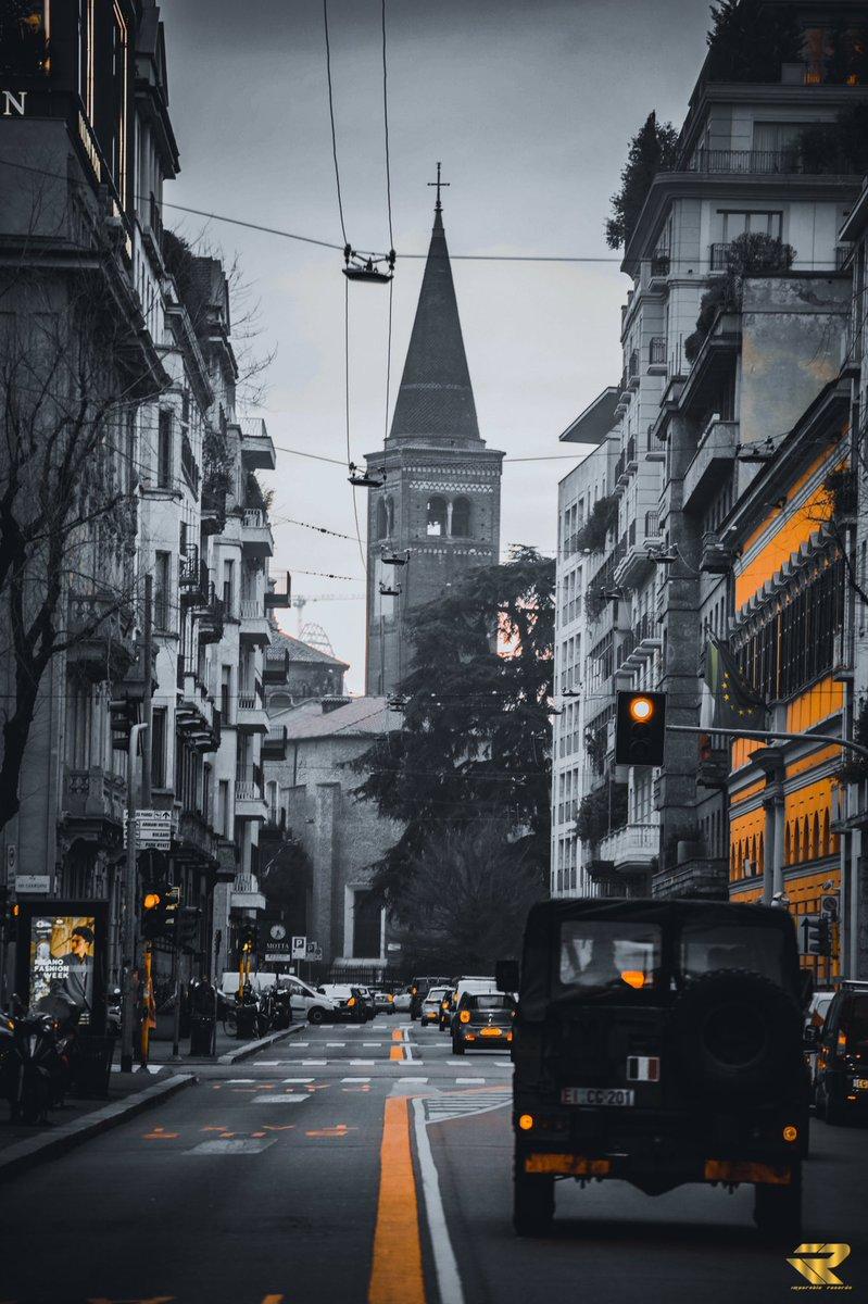Urban Black And Orange #photography #photographer #phototheday #streetphotography #streetart #travel #travelphotography #travelling #europetravel #milano #blackandorange #verofriends #adventure #lifestyle #photographerlife #photooftheday #canon6d #tamron70300 #urbanphotographypic.twitter.com/vtYbyHxOP1
