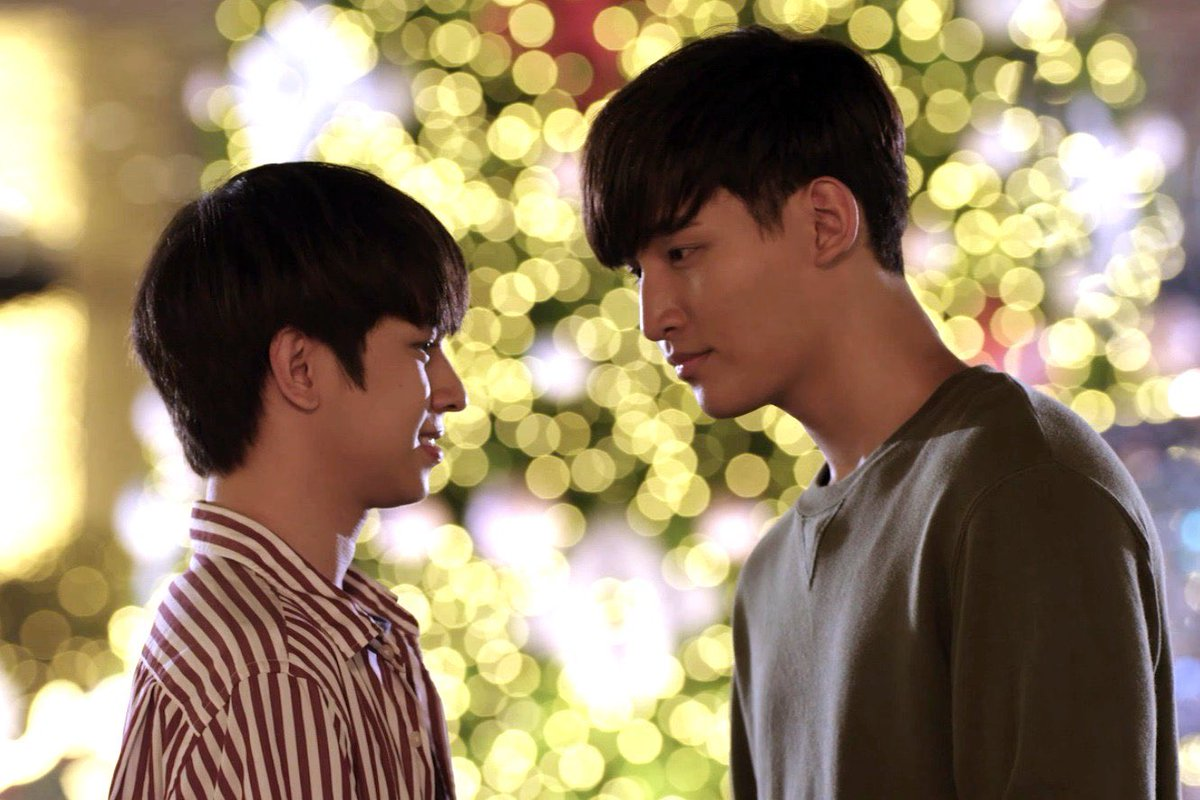 boyfriends on christmas dates   #UWMAep11 #UWMASeries <br>http://pic.twitter.com/P5keMABY6d