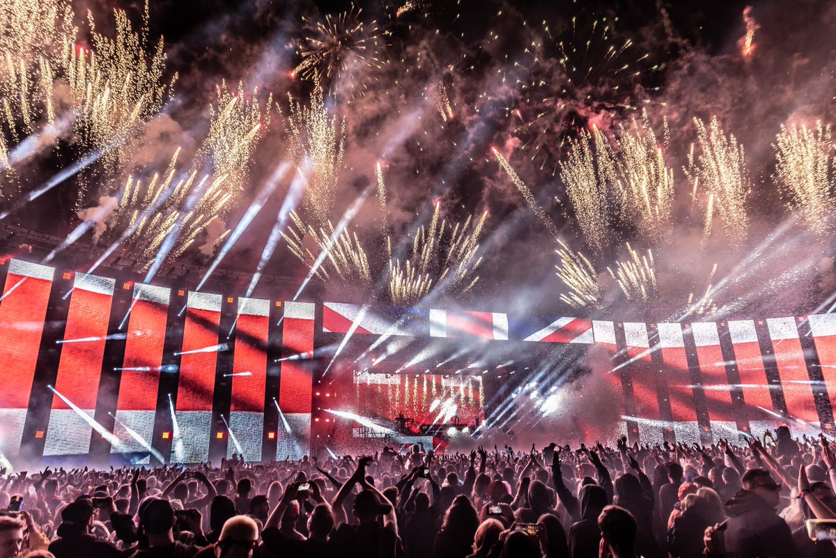 .@TheChainsmokers return to #Creamfields2020 Friday 28th August!  2019 Ticket prices end soon https://t.co/kKOyqbYu6O