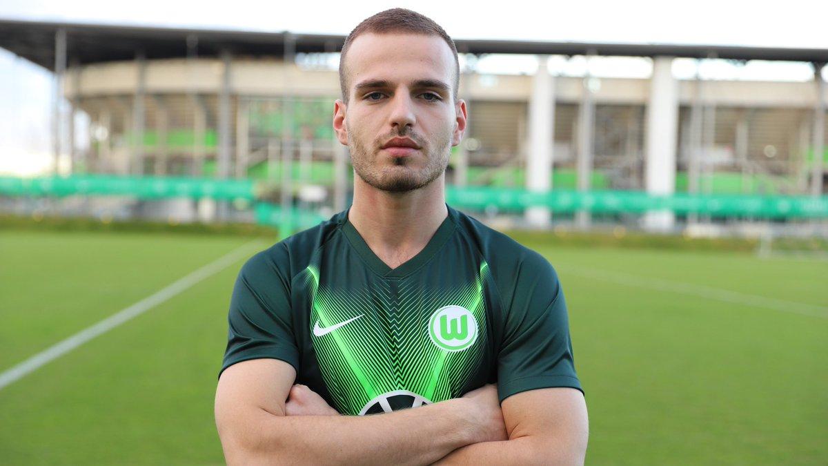 El #Wolfsburg hizo oficial la contratación de Marin Pongracic (), procedente del #FCSalzburg (). Su traspaso ha costado 10 millones de € y firma hasta junio de 2024. pic.twitter.com/QdRWA0kjuA