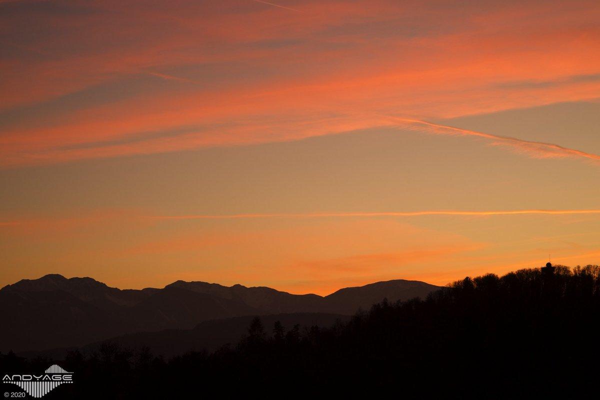 pure nature harmony  Klagenfurt / Austria © Andyage 2020  #Andyage#Klagenfurt#Carinthia#sunset #nofilter#Austria#discoveraustria#photography#worthafollow#photographerlife#moodygram#soulful_moments#behindthelens#urbanromantix#winter#Artastics#explore #SonyAlphapic.twitter.com/l0tX7xhgwM