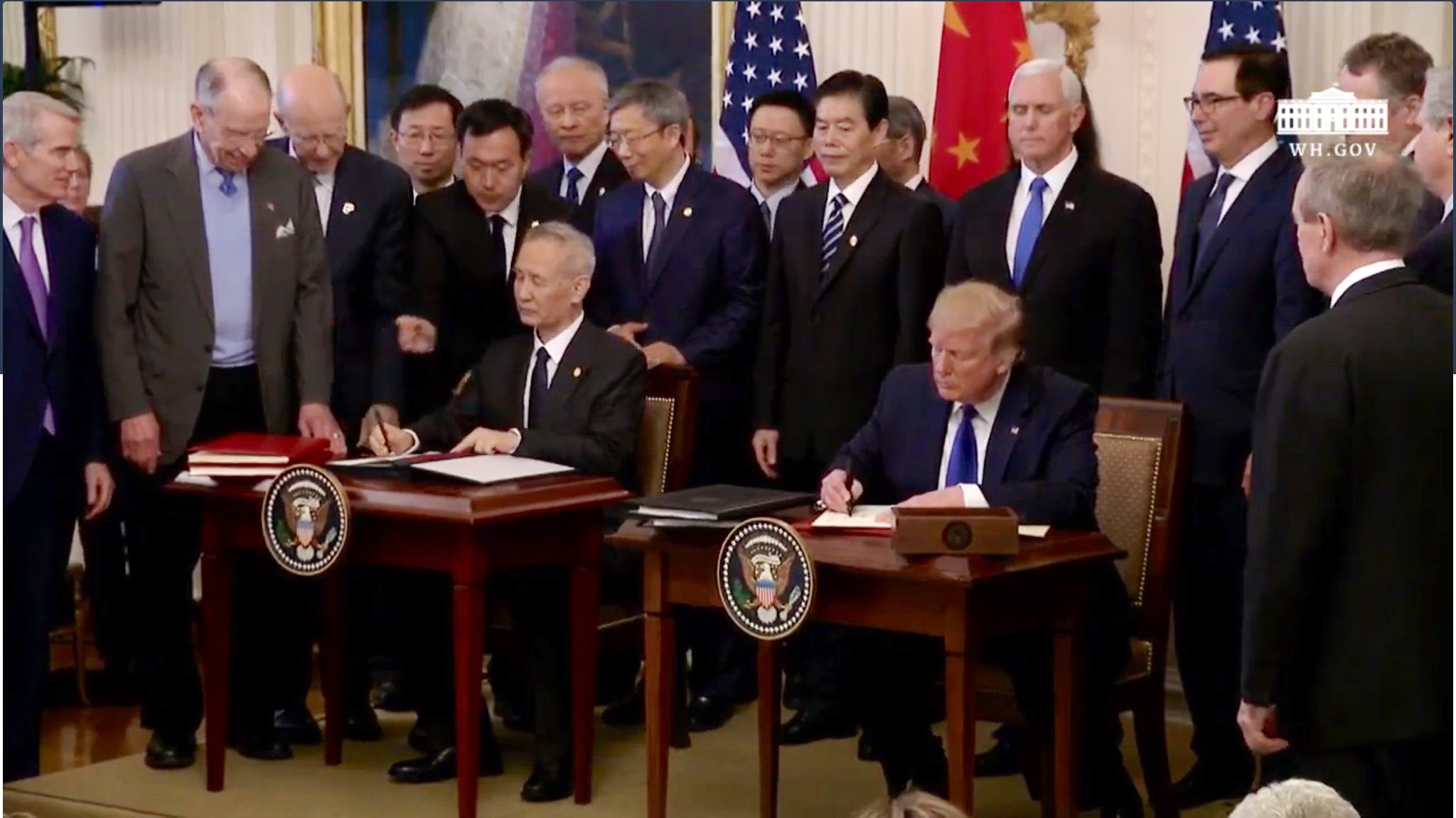 Estados Unidos y China firman acuerdo comercial