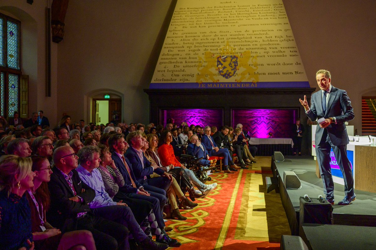 En nu doorpakken gemeenten in  Fryslân! Met een ambassadeur als Foppe moet dit een boost betekenen in de projecten en activiteiten. #eentegeneenzaamheid