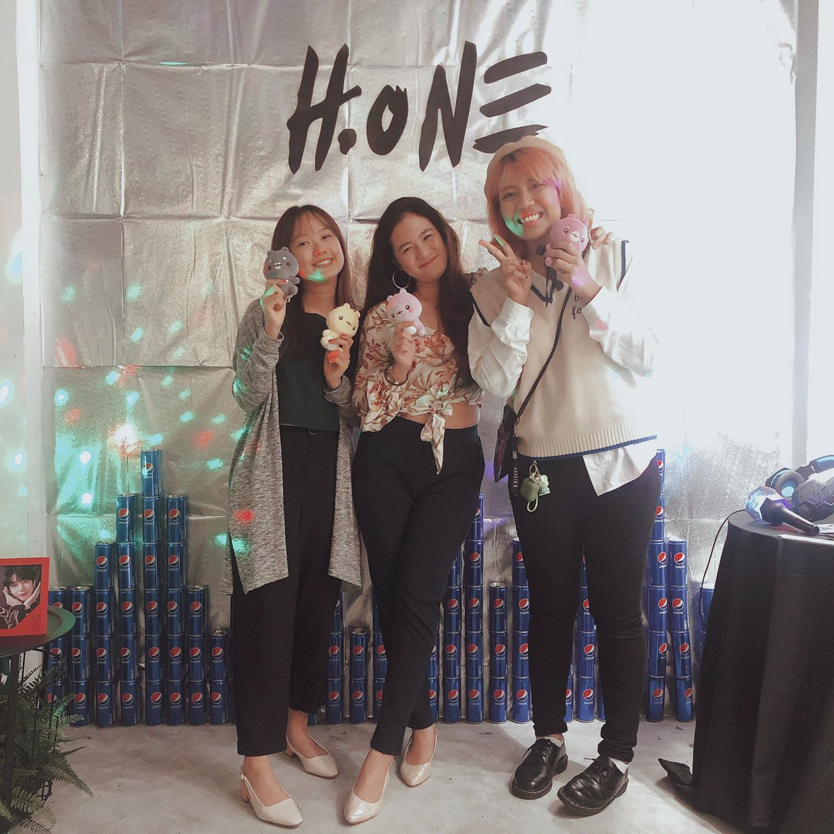never a dull moment with these babies and honestly not at how we were discussing flights to seoul  1am flight let's go   (also the cs event was sooo well decorated ) #HBDtoHYUNGWON #hOne_DropTheBeat<br>http://pic.twitter.com/OGxPREGYjQ