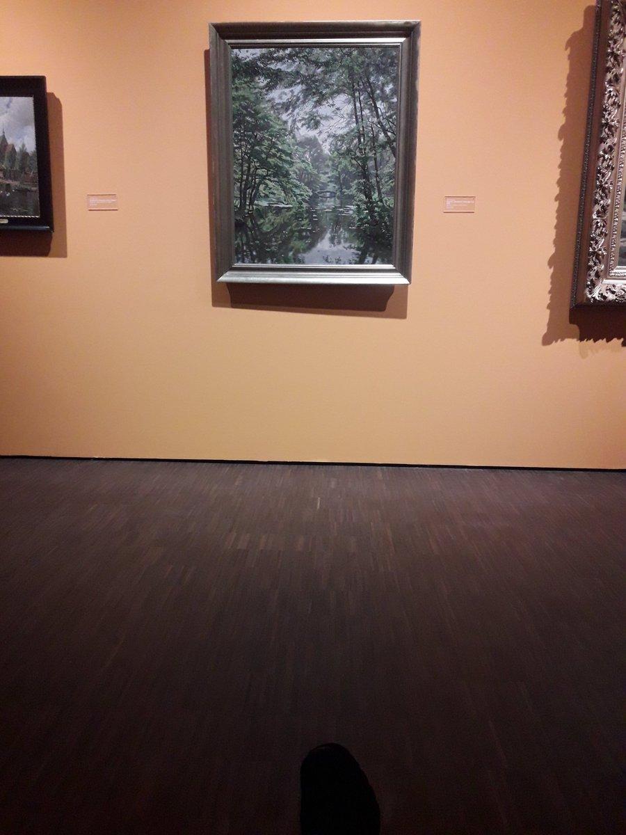 #museumselfieday