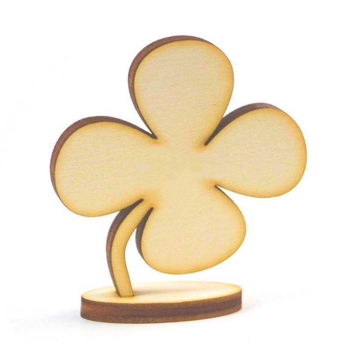 Die #Tischkarte aus Holz in Form eines vierblättrigen Kleeblatts symbolisiert das #Glück und lässt Ihre Tafel in einem ganz individuellen Glanz erscheinen. https://buff.ly/2rOH9jn #hochzeit #kleeblatt #glückpic.twitter.com/2gqyIm1jOy
