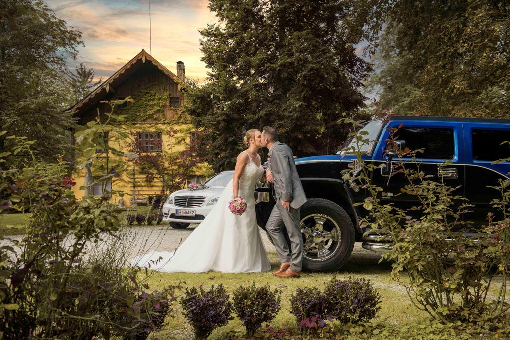 Ich liebe es Hochzeiten zu fotografieren. Hochzeitsfotos und Reportagen findet ihr auf meinen Seiten. http://www.fotoberger.at http://www.hochzeitsfoto-video.at  #braut #hochzeit #hochzeit #instabräute #bridetobe #wedding #instabraut #hochzeitsfotograf #weddingpic.twitter.com/f6bTJBnSWl