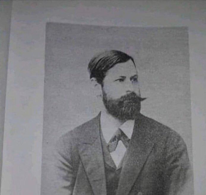 Freud em 1891 parecia qualquer cara de 2020 que gosta muito de gatos, indie rock e bebe Budweiser na porta do Cine Joia, reparem. https://t.co/FweiKRenHS