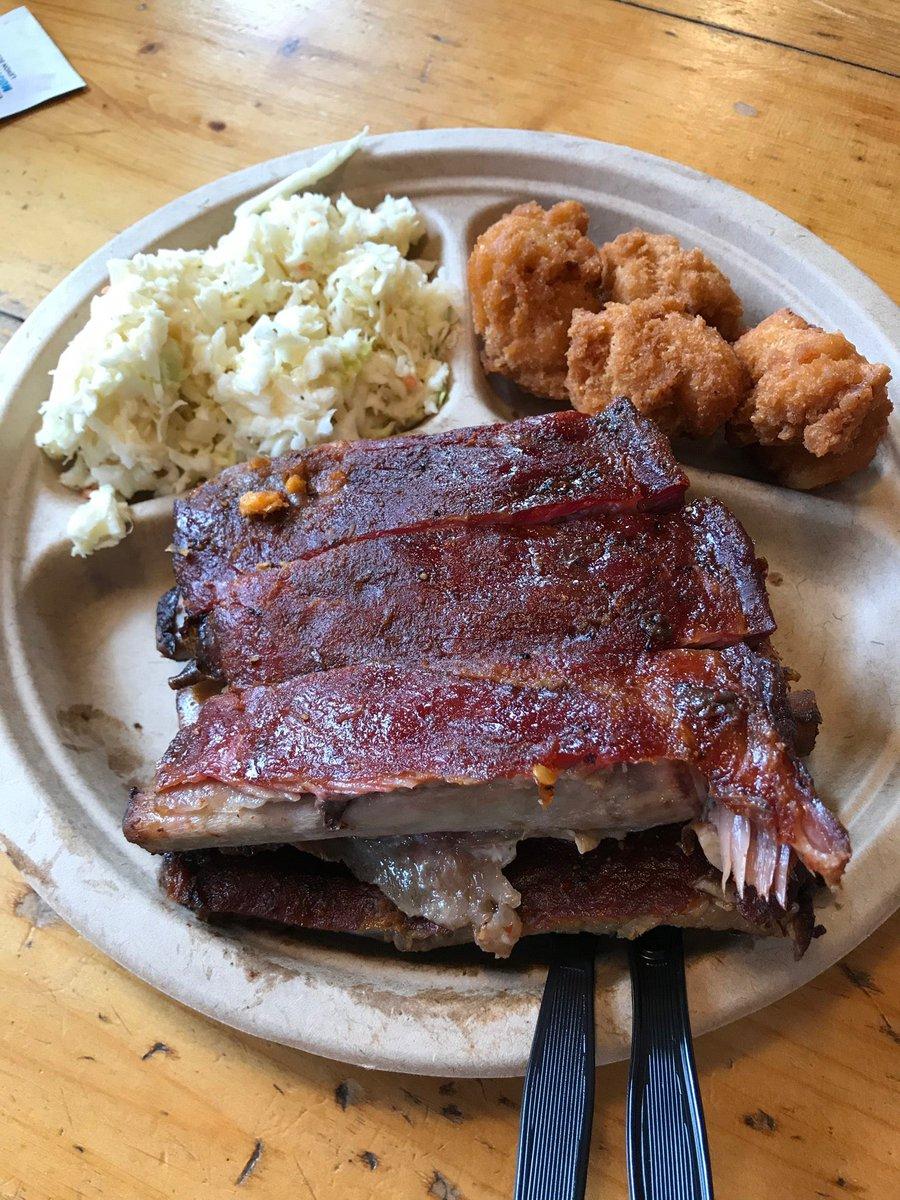 Treatin' myself to some awesome bbq! (@ Okie Dokies Smokehouse in Swannanoa, NC) swarmapp.com/c/8b5tkfXRPlY