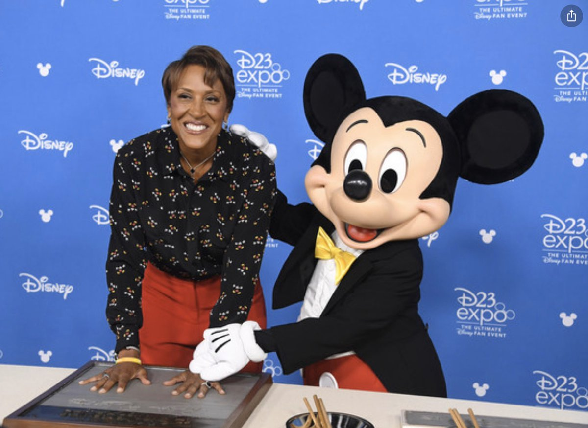 Today we celebrate @RobinRoberts 30th. anniversary @WaltDisneyCo and we are so grateful for her 3 decades of service. She inspires us with her courage, warms us with her friendship, and graces us with her presence.