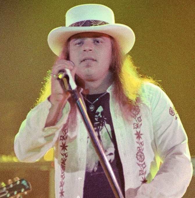 Happy Birthday Ronnie Van Zant  ,  would have been 72 today  free bird  !!