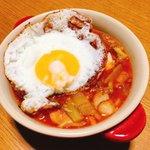 Image for the Tweet beginning: 今日のスープは有賀さん@kaorun6 の #365日のめざましスープ からフライパンミネストローネ。疲れているので、体に良いもの食べたくて、野菜たっぷりと入れて、目玉焼きをのせました。幸せのスープ♡ #スープ365  #おうちごはん