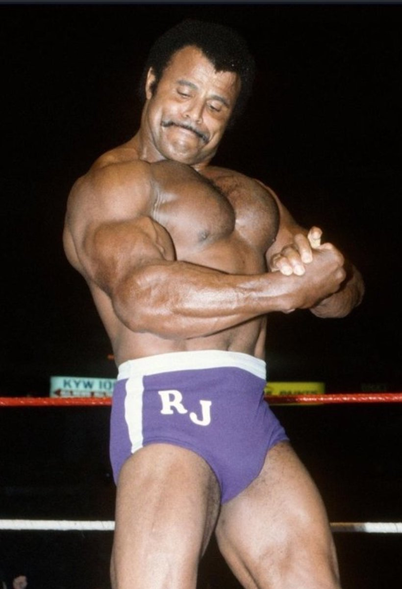 I am so sorry to hear of the passing of the great Rocky Johnson. Always a gentleman, I always enjoyed talking with him. My deepest condolences to his family, friends, and the fans who loved him. A very sad day for wrestling. #RIPRockyJohnson https://t.co/4agKbOzAry