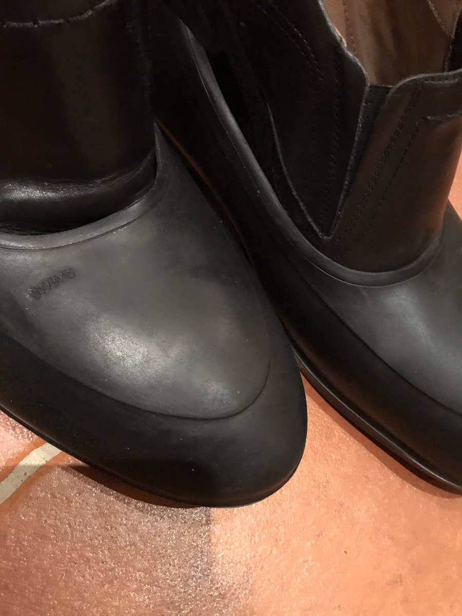 Kalosseja ei juuri enää kenkämarkkinoilla kysellä eikä myydäkään. Tilalle ovat tulleet goretexit, jokasäänkengät ja kumisaappaat. Oulusta saa kalosseja joko huopikkaisiin tai miesten pikkukenkiin, mutta niiden kyselijät ovat todella harvassa.
