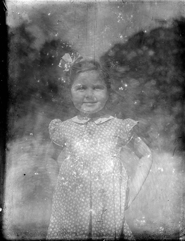 In 2014, Alan J. Ward purchased a collection of glass negatives on a whim. Through a few clues, he pieced together the a lost family history. https://t.co/5qSg4njT32 https://t.co/7MRekqpuxq