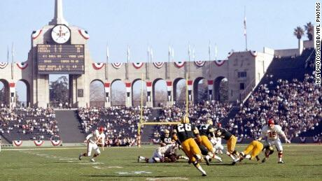 Super Bowl I took place on this day in 1967! It was the Green Bay Packers vs the Kaiser City Chiefs! #Doyouremember watching this game?pic.twitter.com/UppBjQfnsW