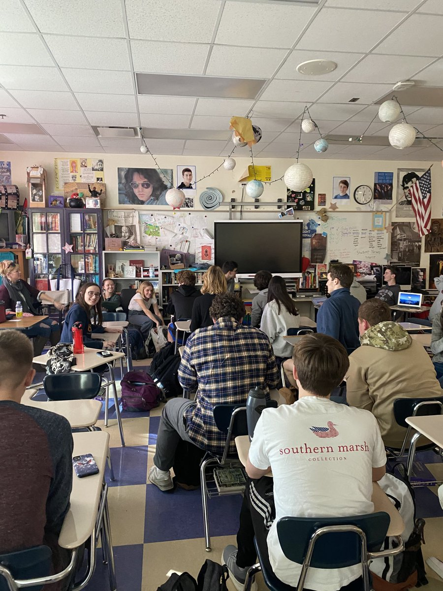 Talk about current events! While @ Yorktown, journalism students were engaged in discussion about HB 36 - New Voices Bill. <a target='_blank' href='https://t.co/VlYNzG3eos'>https://t.co/VlYNzG3eos</a>