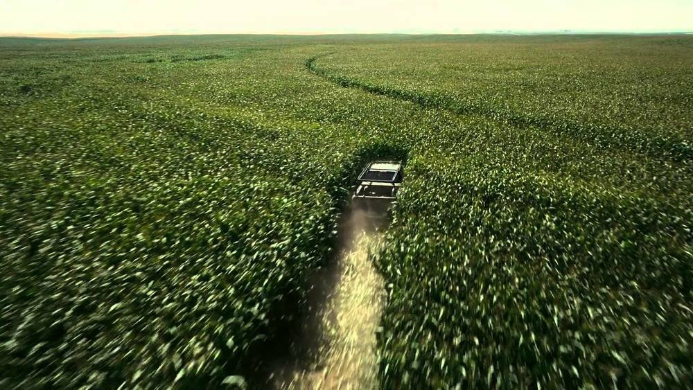 For 'Interstellar' (2014), Christopher Nolan planted 500 acres of corn just for the film because he did not want to CGI the farm in. After filming, he turned it around and sold the corn and made back profit for the budget<br>http://pic.twitter.com/XRgihJSdaJ