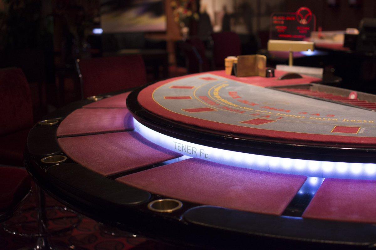¡Apasionadamente únicos! Así queremos que sean tus momentos en #CasinosdeTenerife  #Poker #Tournament #Chips #Casino #Play #Gambling #Players #Style #Nightlife #Fun #Fancy #Havingfun #Goodmoments #Goodvibes #JustEnjoy #Tenerife #Tourism #Food #Drinkspic.twitter.com/AV9yNlgRuw