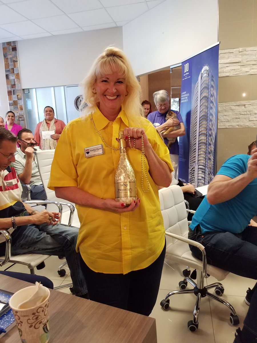 Look who is Celebrating !!! Recognized for Excellence !!! How Can I Help You Today  #RemaxKat #RealEstateKat #RockStarRealtor #KathyHyatt #KathyHyattRocks #SellingSouthFlorida #SellingPlantation #SellingPlantationAcres #SellingPlantationJacaranda #SellingDavie #SellingCooperCitypic.twitter.com/j3tvOe2sEB