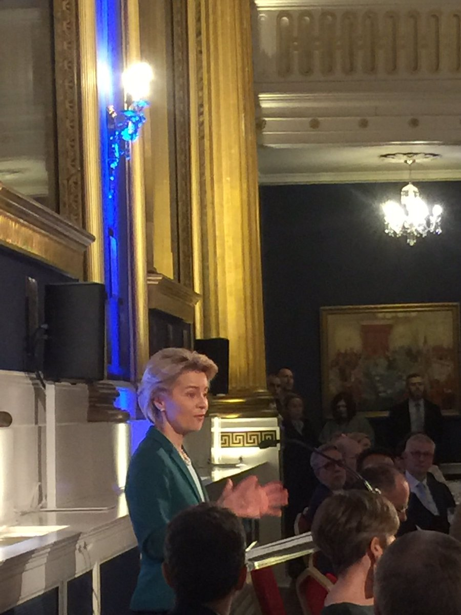 Very positive messages on Ireland 🇮🇪 and Europe 🇪🇺 from President @vonderleyen in Dublin this eve.
