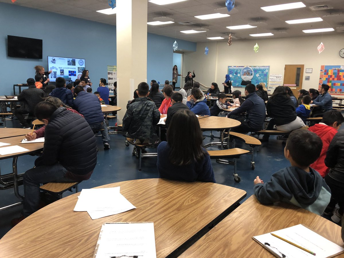 Full house at Reach for Reading. Topic: Math is EVERYWHERE <a target='_blank' href='https://t.co/PBlaiyiiP1'>https://t.co/PBlaiyiiP1</a>
