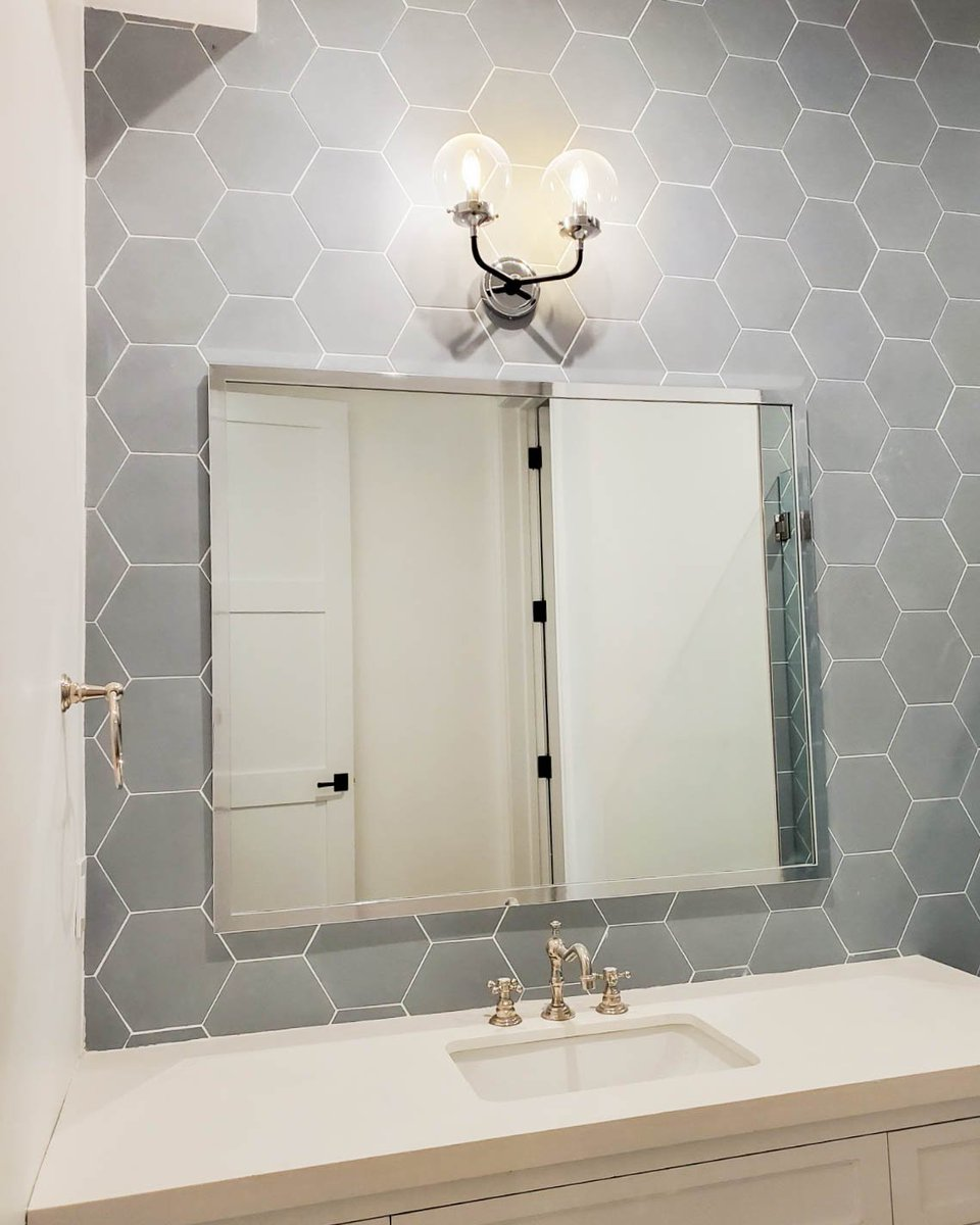 Are you a fan of hexagon tiles? We love how our latest project turned out with these grey hexagon tiles in the bathroom!  #tilelove #hexagontiles #bathroomreno #luxurybathroom #losangelesremodelspic.twitter.com/540hIy6COt
