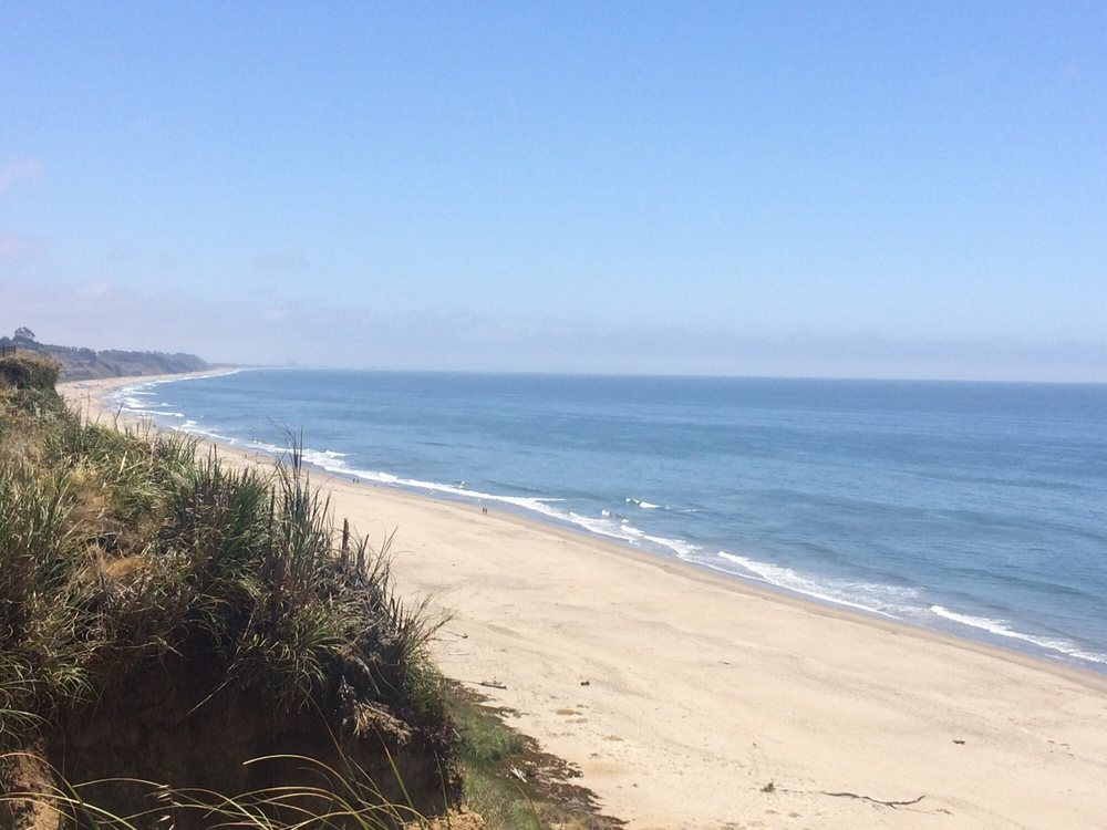 @FoodTravelist A8: Beach views are always my favorite and luckily do not have a shortage of like Aptos, @VisitCarmel, @pismotravel with now the best time to visit, beautiful weather without the crowds -aroundthebayandaway.blogspot.com/2018/01/januar… #FoodTravelChat#DreamEats
